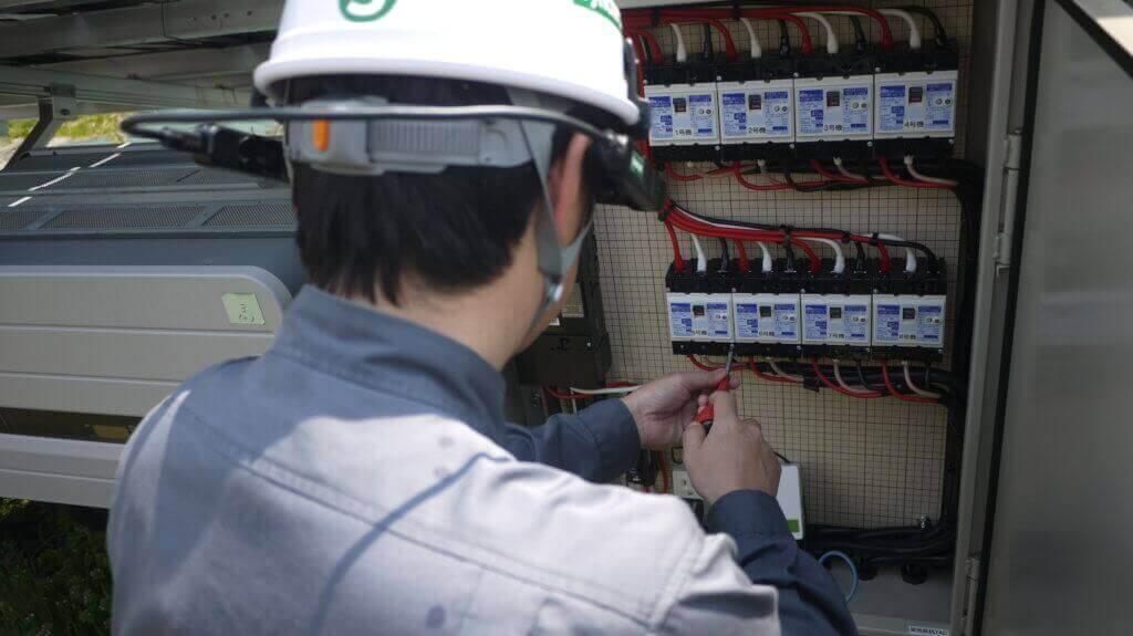 電気工事会社【遠隔作業支援スマートグラスSynchroAZ(シンクロアイズ)】